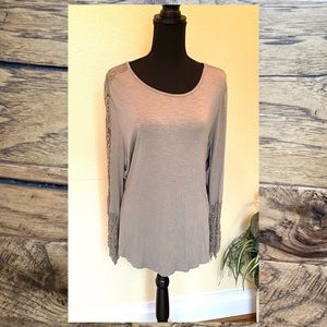 Chico's NWOT Crochet Sleeve Top Chico Size 3